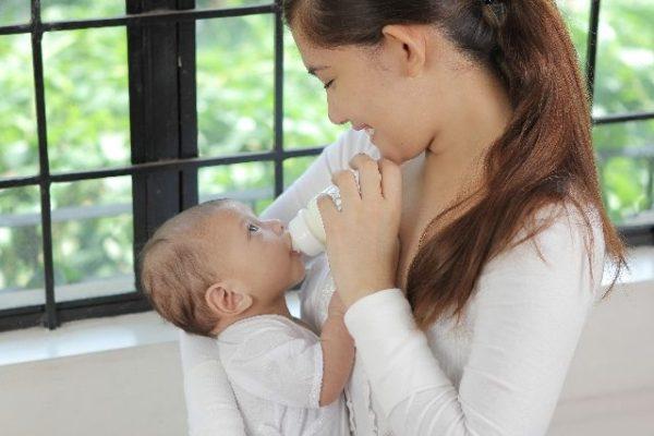 授乳は赤ちゃんが生きていく糧