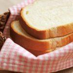 夏!白いカビが生える「パン」は危険…解決方法は?体調は?
