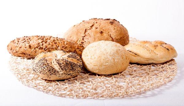安全なパンとは?添加物賞味期限何を基準に判断