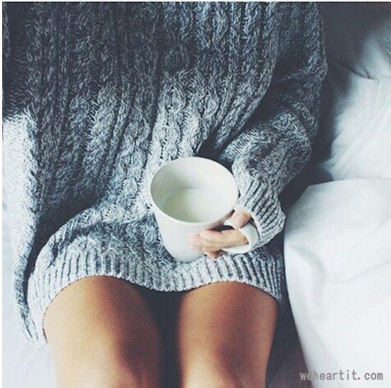 2016年秋冬の女子の必須アイテム「セーター」は使いまわせるベーシックが狙い目!