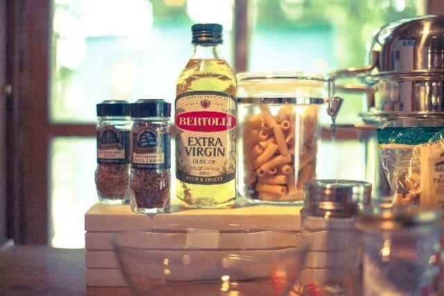 【こめ油】安全な油で食事を作ろう!我家の健康油を紹介!海外で禁止されている食用油が人気の謎?
