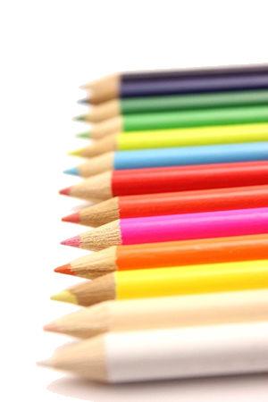 色は心理に影響し!心身活性化の「色彩療法」で仕事などの人間関係に生かす