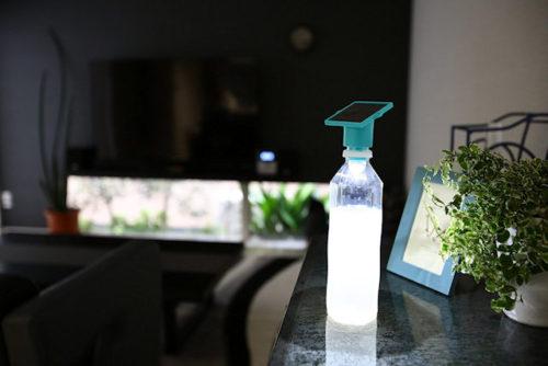 災害時の停電で水と電気を確保!「ペットボトル用ソーラーライト」ロハス生活の活用