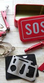 252生存者あり「SOSサバイバルキット」災害を想定し携帯コンパクトタイプを用意